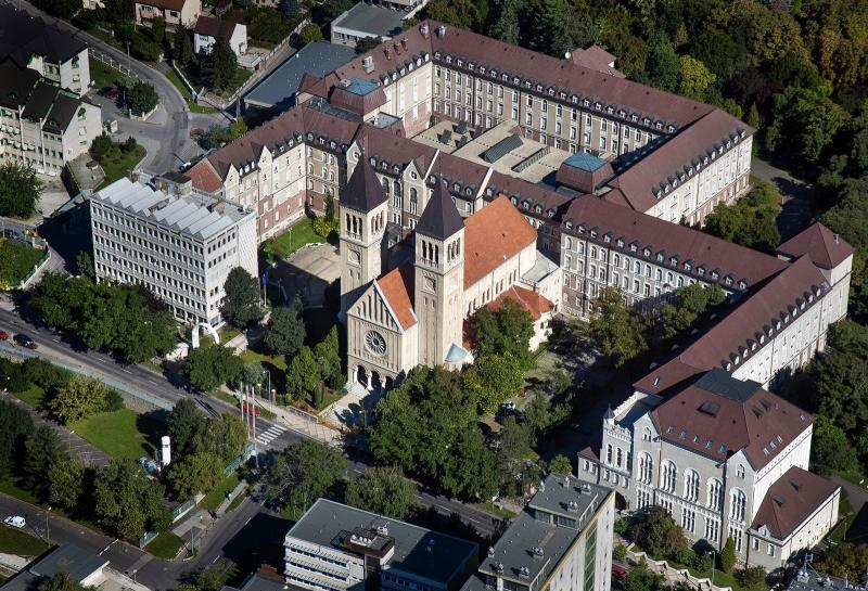 University of Pécs Faculty of Humanities
